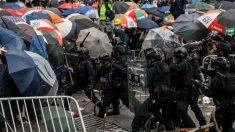 Anistia Internacional: polícia de Hong Kong usa força