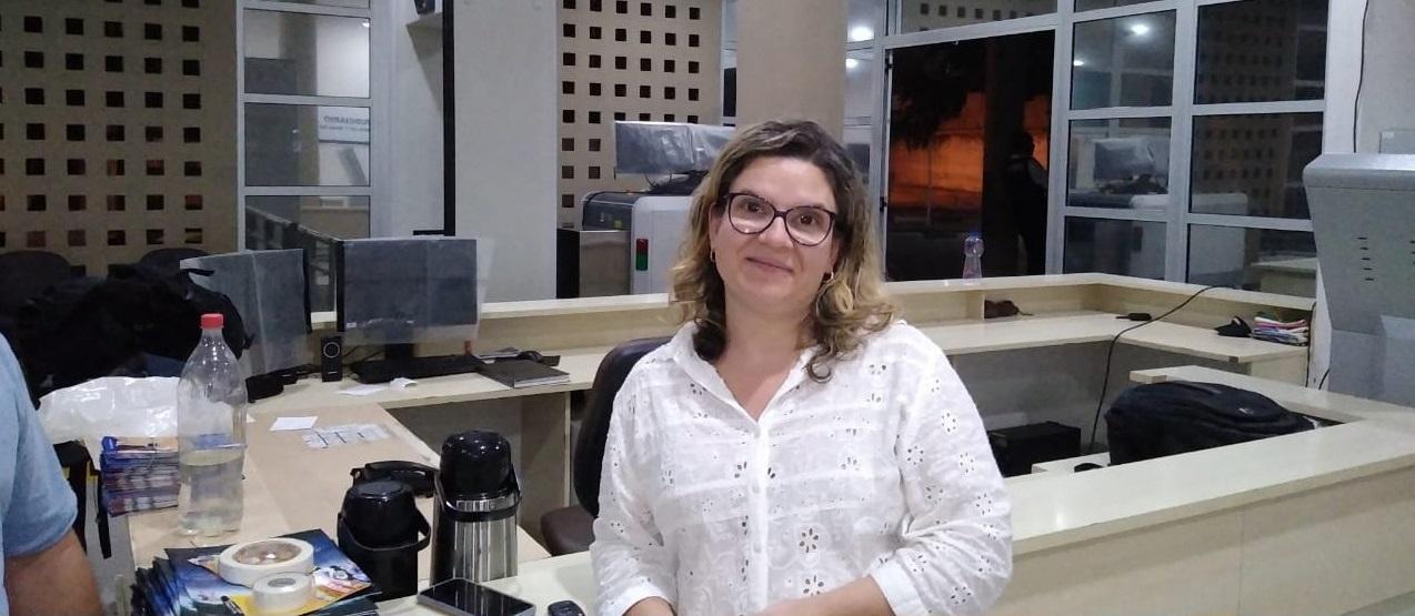 Luciana Bezerra de Carvalho, Servidora Publica Federal na Justiça Federal em Feira de Santana, pratica Falun Dafa há 3 anos (Miguel Campos)