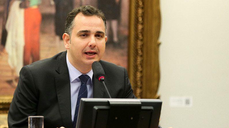"""Senado aprova projeto das """"10 medidas contra corrupção"""""""