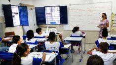 Bolsonaro avalia retorno do ensino de educação moral e cívica