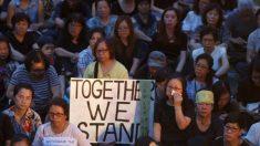 Mães de Hong Kong marcham em apoio aos manifestantes estudantis