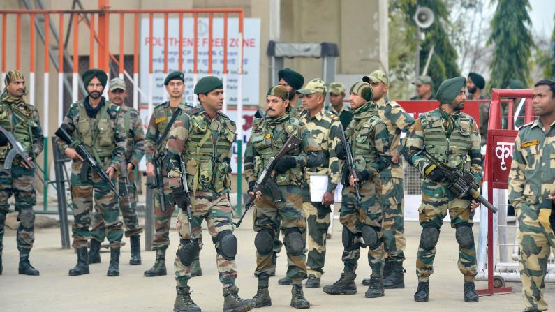 Tensão: Índia envia 25 mil soldados para fronteira com Paquistão