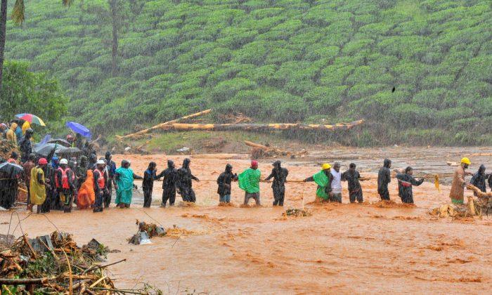 Número de mortes por inundações na Índia chega a 147, centenas de milhares evacuados
