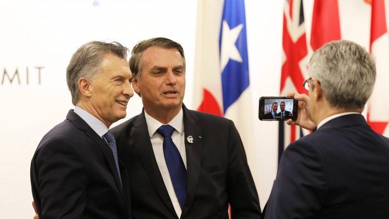 """""""Bandidos de esquerda começam a voltar ao poder na Argentina"""", diz Bolsonaro"""