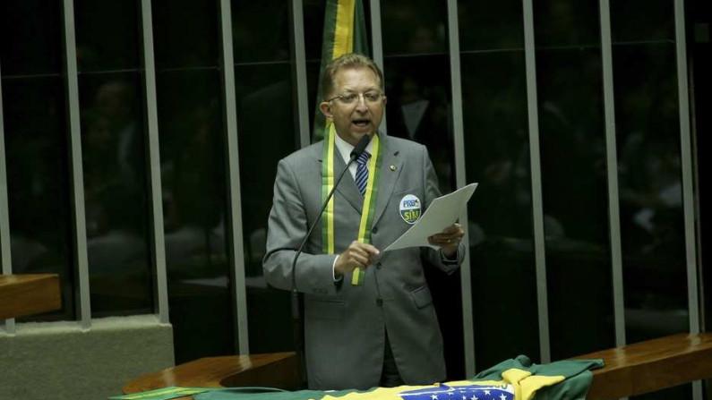 João Campos pede que Bolsonaro vete lei de abuso de autoridade