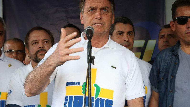 """Bolsonaro: """"O Estado é laico, sim. Mas o presidente da República é cristão"""" (Vídeo)"""