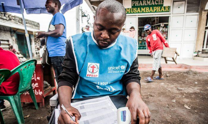 Ebola continua a se espalhar no Congo, gerando tensão regional