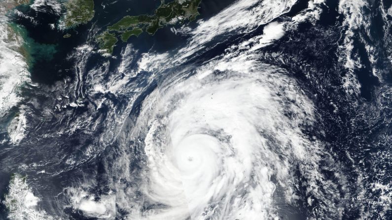 Alerta no Japão: super tufão Hagibis pode passar por Tóquio com ventos estimados em 150 km/h