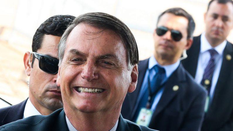 """Bolsonaro desafia governadores a zerarem imposto de combustíveis: """"Eu zero o federal hoje se eles zerarem o ICMS"""""""