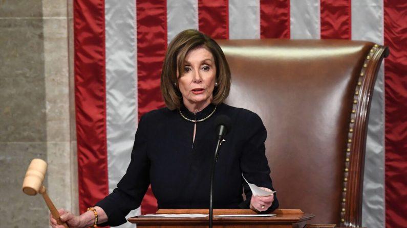 Democratas aprovam impeachment contra Trump em votação partidária