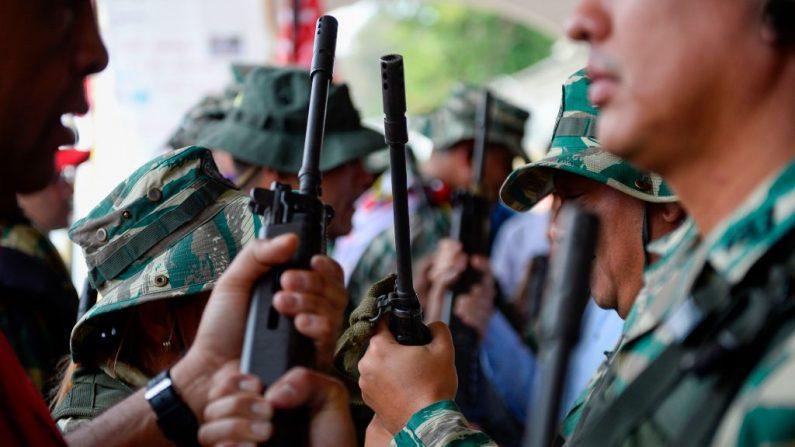 Venezuela: rebeldes militares e indígenas pemones se confrontam perto da fronteira brasileira