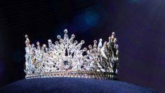 Menina de 19 anos com síndrome de Down é coroada em concurso internacional de beleza