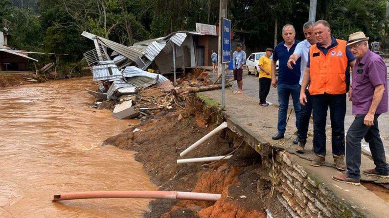 Chuva faz mais de 10 mil pessoas deixarem suas casas no Espírito Santo
