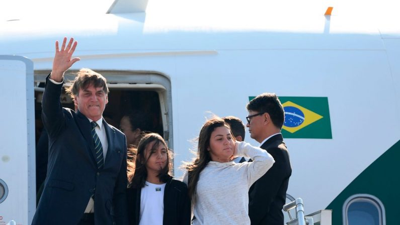 Presidente dá 'calaboca' em Guedes: aumento de impostos, nem pensar