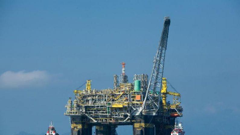 Petrobras sobe pela segunda vez gasolina nas refinarias em maio