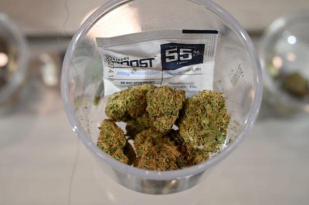 Maconha à venda durante uma parada em uma turnê de cannabis organizada pela Green Tours, com sede em Los Angeles, Califórnia, em 24 de janeiro de 2019 (ROBYN BECK / AFP / Getty Images)