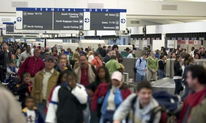 200 pessoas exibem possíveis sintomas de coronavírus ao passar pelo aeroporto de Atlanta