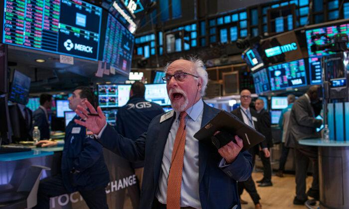 Rendibilidade das obrigações atinge recorde de baixa em meio à rota do mercado de ações diante do coronavírus