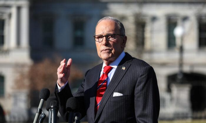 EUA estão 'decepcionados' com a maneira como a China está lidando com o novo surto de coronavírus, disse assessor-chefe da Casa Branca