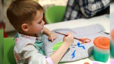 Professores levam crianças para pintar cavalo durante atividades escolares e geram imensa controvérsia
