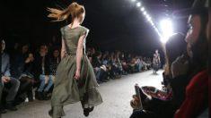 Modelo com síndrome de Down é dona da passarela na NY Fashion Week: 'Não há limites'