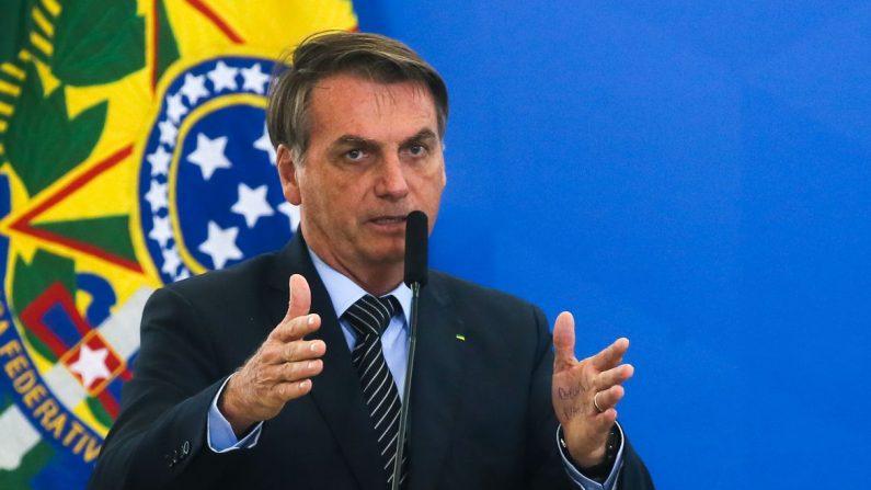 Há muita coisa 'errada' na gestão da Petrobras e Silva e Luna vai dar uma 'arrumada', afirmou Bolsonaro