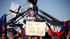 Chilenos vão às ruas de Santiago em ato pela rejeição da nova Constituição