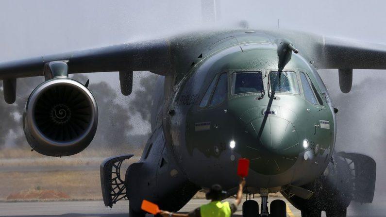 Governo terá 15 dias para dar sugestões a projeto que regula uso de avião da FAB