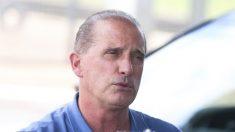 """Ministro diz que fica no cargo e afirma que Santini é """"página virada"""""""