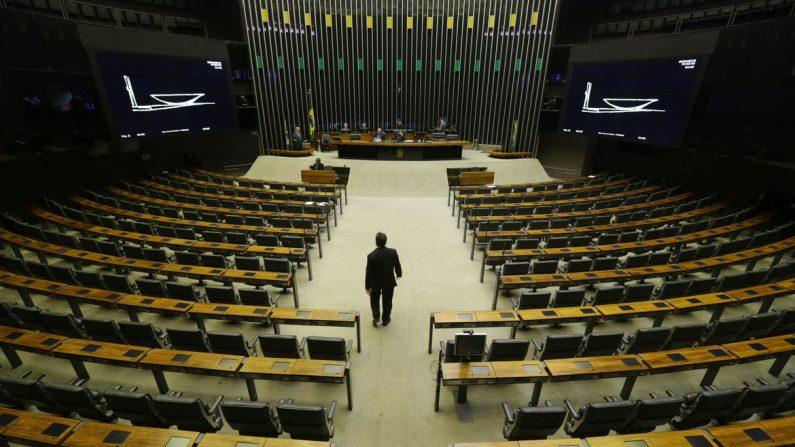 Câmara dos Deputados pode votar hoje modificações no Código de Trânsito