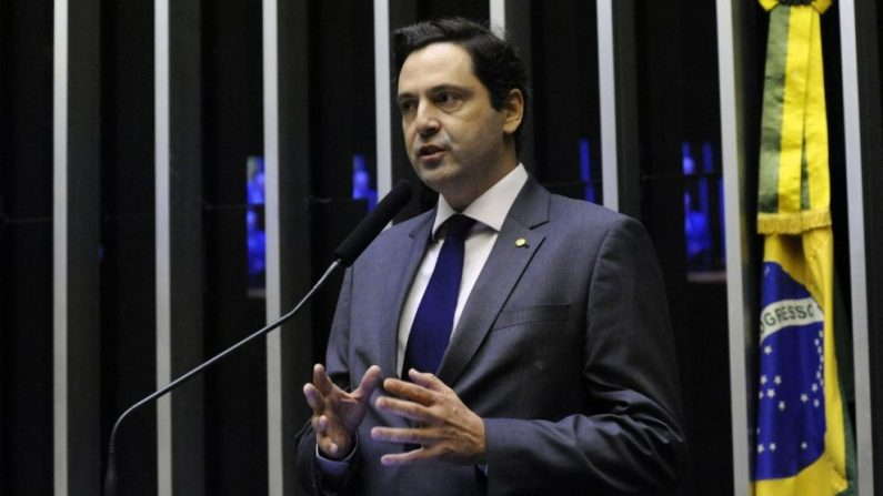 Deputado rebate Toffoli e afirma: 'Democracia é vontade popular e quem tem atacado a vontade popular é o STF'