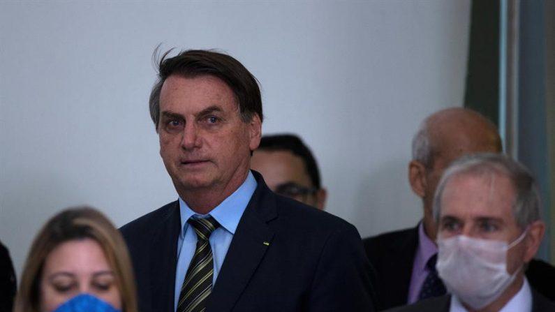 Bolsonaro sugere que governadores estão inflando mortes pelo vírus do PCC
