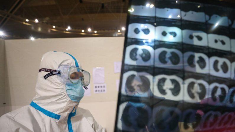 China elimina barreiras para viagens em Hubei, enquanto moradores continuam a questionar dados oficiais