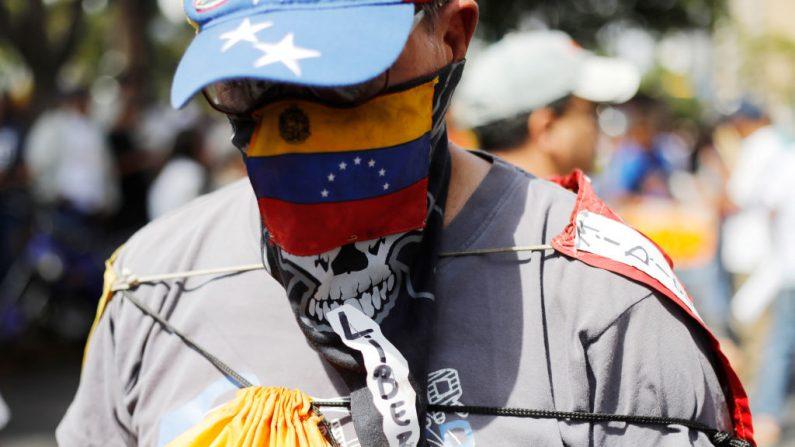 Regime de Maduro ameaça médico que relatou casos suspeitos de coronavírus na Venezuela