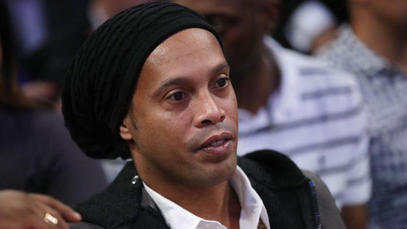 Foragida, mulher ligada a caso Ronaldinho se manifesta através de advogados