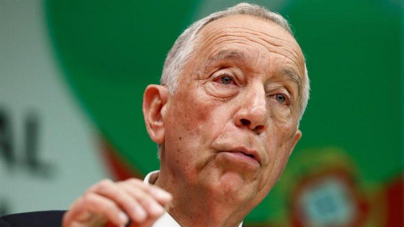 Presidente de Portugal se isola em sua residência após receber alunos de escola infectados com COVID-19