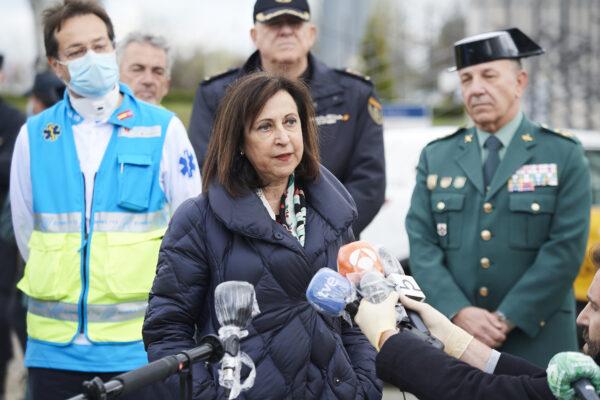 Militares espanhóis encontram corpos e idosos 'completamente abandonados' em casas de repouso