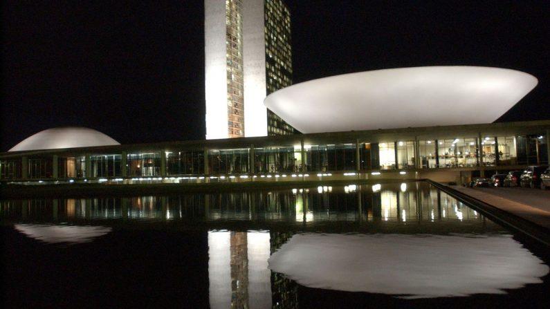 Bolsonaro envia ao Congresso acordo sobre escritório da OCDE no Brasil