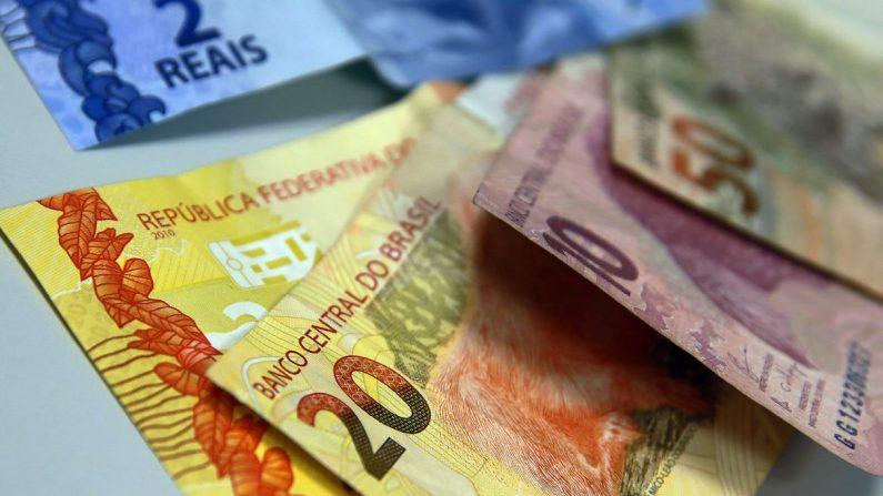 Bolsonaro sanciona lei do salário mínimo 2020