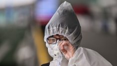 O residente de Hubei não confia no sistema de código de saúde