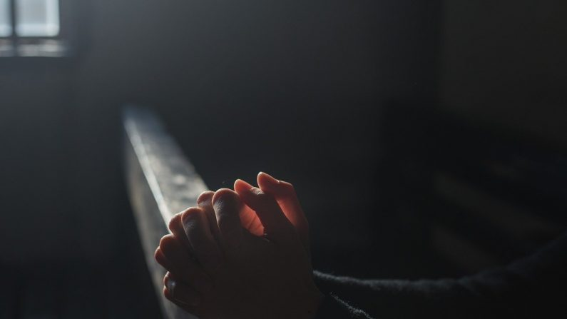 Católicos não podem realizar funerais religiosos na China