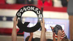 Facebook elimina contas vinculadas ao QAnon por 'comportamento não autêntico'