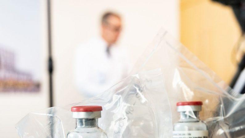 FDA permite o uso emergencial de remdesivir para tratar pacientes com vírus PCC, afirma Trump