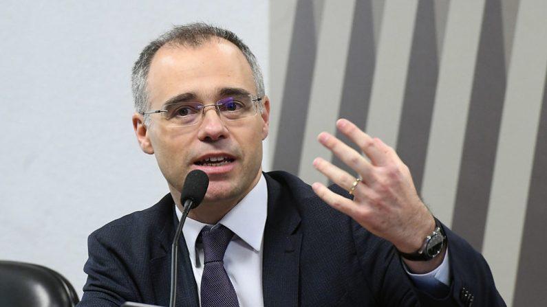 Governo ainda estuda recriar Ministério da Segurança, diz Mendonça