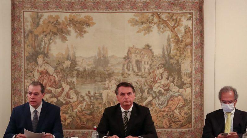 Bolsonaro divulga ações mais recentes do Governo Federal