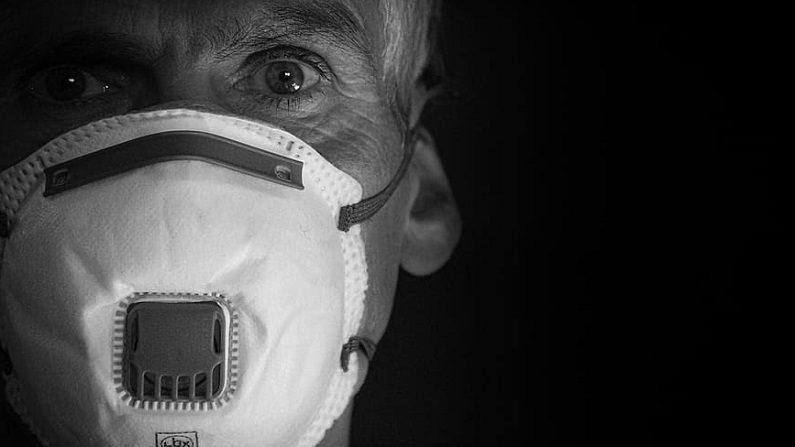 Vários idosos se curam da COVID-19 no Brasil