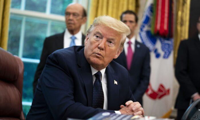 Trump afirma que EUA designarão Antifa como organização terrorista
