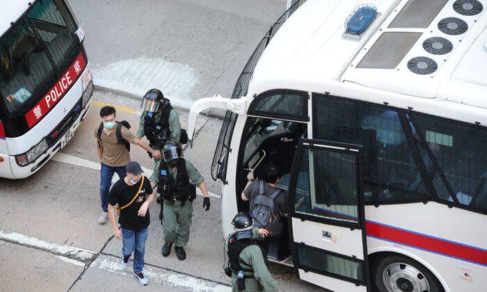 Pequim revisa lei de segurança nacional enquanto protestos em Hong Kong reacendem