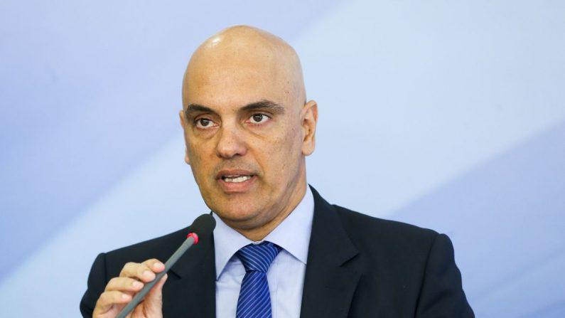 Alexandre de Moraes assume vaga efetiva no TSE
