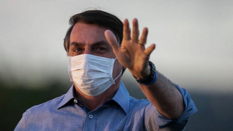 Bolsonaro aguarda novo exame de COVID-19 para 'voltar à normalidade'